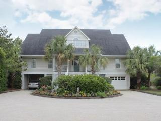 McCauley Beach House - Oceanfront, Pawleys Island