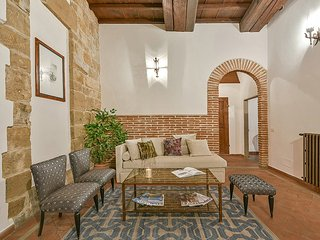 Dimora Donati - 2bdr apartment a short walk from Duomo, Florence