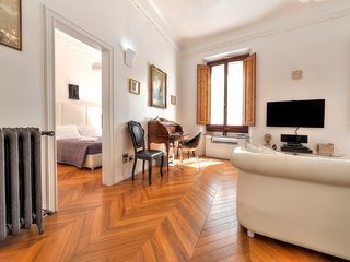 Suite Deluxe. Modern, High End Comfort with Antique Charm- 2 mins from Duomo