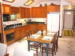 Rio Lindo, Vacation Rental with Full Kitchen & Dining Area