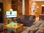 Family Fun Sunriver Condo with A/C and Hot Tub With SHARC passes