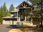High-End Sunriver Home with 3 Master Suites and Game Room On the Golf Course
