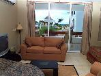 Large Studio, Beachfront San Francisco Beach. Free phone, hi speed internet