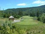 Luxury 3 bedroom townhouse on Chateau Whistler golf course, free internet