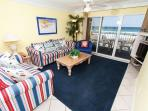 GD 212: Cheerfully decorated condo- WiFi, great views, LCD TV's, FREE BCH SVC