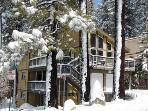 Perfect remodeled ski chalet, directly on shuttle route - HCH1084