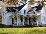 352 - EXPERIENCE THE OLD WORLD CHARM OF MARTHA'S VINEYARD IN THIS SEA CAPTAIN'S HOME