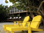 Seagrape Escape:Bright,breezy BEACHhouse w/ Wifi!