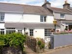 2 PORT VIEW TERRACE, pet friendly, character holiday cottage, with a garden in Landrake, Ref 2131