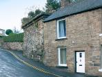 BRIDGE COTTAGE, pet friendly, character holiday cottage, with a garden in Haltwhistle, Ref 1203
