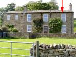 WEST SHAW COTE COTTAGE, family friendly, country holiday cottage, with a garden in Askrigg, Ref 218