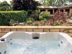 BECKHILL COTTAGE, pet friendly, country holiday cottage, with hot tub in Brandsby, Ref 2503
