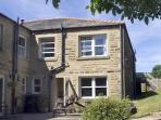 LAUREL BANK COTTAGE, pet friendly, country holiday cottage, with a garden in Embsay, Ref 803