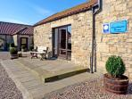 BUTTERWICK, pet friendly, character holiday cottage, with a garden in Staindrop Near Barnard Castle, Ref 896