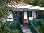 Windwardside Cottage: ocean view, spa, quiet, romantic