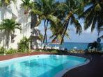 Beachfront Condo Cable WiFi Awesome Sea view $108 to $118