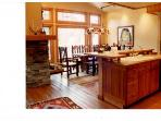 War Dance-Luxury Big Sky Ski/Summer Vacation Home