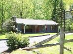3BR Blue Ridge Vacation Cabin on Mountain Stream