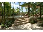 Pool and pergola with shallow playita, hammock & 6 chaises, outdoor speakers