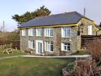 THE ROUND HOUSE, pet friendly, country holiday cottage, with a garden in Tintagel, Ref 3836