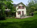 Berkshires Cottage 4 bedrooms, sleeps 6