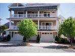 Great Reviews/ Close to Beach/ Lg Deck/Parking