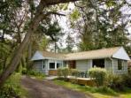 172 - Cove Cottage- waterfront, rustic cottage for a perfect Whidbey Getaway