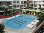 Pool Area with 6 in Pool Beds 2 Jacuzzis