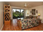 Hale Kamaole Ocean View Condo with King Bed & WiFi
