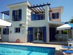 Great House with 3 Bedroom, 1 Bathroom in Coral Bay (Villa 27837)