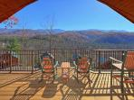 Brand New 1 Bedroom Cabin with Jacuzzi, 4 Fireplaces and 55' 3D TV w/Blu Ray