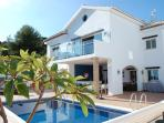 Luxury villa with heated pool, hot tub & sea views