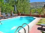 Villa 10 min to Alhambra and 30 min to ski resort.