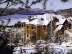 Charming 2 Bedroom & 3 Bathroom House in Mont Tremblant (L'Equinoxe | 150-11)