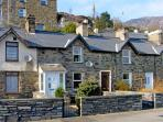 GLAN-YR-AFON COTTAGE, pet friendly, country holiday cottage, with a garden in Tanygrisiau, Ref 4537