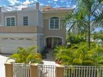 NEW HOME-4 BED/4 BATH, POOL, STEP TO BEACH/DINING