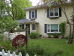 Cabernet House, a perfect 4 bdrm vacation rental in old towne