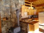 Our guests enjoy cooking in the well-equipped kitchen.