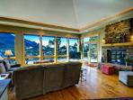 Almost Heaven at Windcliff: PANORAMIC Great Room & Deck Views, Wildlife, Nature