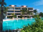Spacious 2/3 Waterfront Condo 5 Minutes From Beach