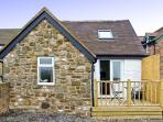 THE BAKEHOUSE, pet friendly, character holiday cottage, with a garden in Angelbank, Ref 5468