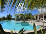 KIWI...lovely pool, total privacy, luxury at a great price!