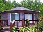 Amethyst Creek Cottage-Eco-Friendly Deltec & Writer's Paradise