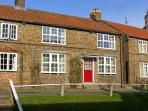TRANQUILLITY BASE, pet friendly, character holiday cottage, with a garden in Sheriff Hutton Near York, Ref 4551