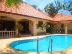 Stunning Luxury 3Bed Villa with 2 Guest Apartments