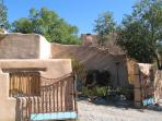 3 BR Restored Artist Home,easy walk to Taos Plaza
