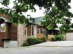 CanUCanoe Hillcrest Lodge 5BR Riverview LuxuryHome