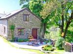 THE STABLE, pet friendly, country holiday cottage, with hot tub in Llangynog, Ref 8937