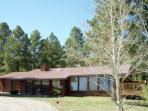 Ideal 3 BR, 2 BA House in Angel Fire (HO VG34)