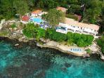 Beachfront Golden Clouds- private beach, 2 freshwater pools & full staff
